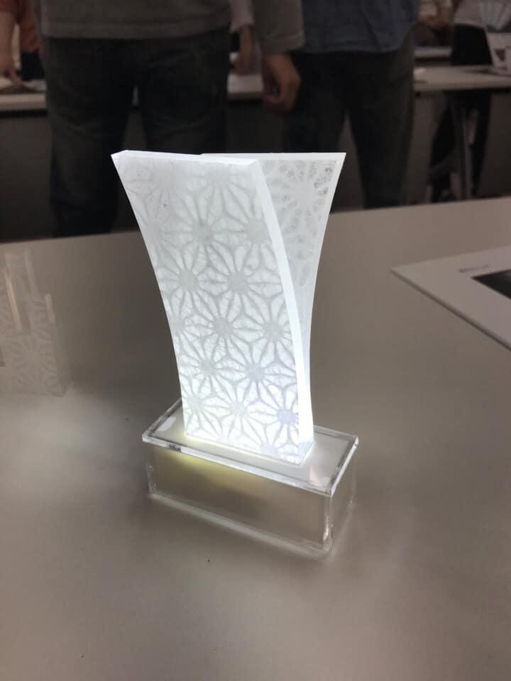 アクリルを利用した 和紙のスタンドライト